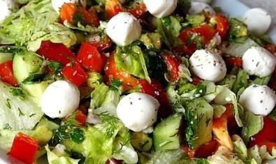Вкусный и легкий салат «Дары Нептуна»