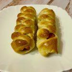 Пирожки с сосиской