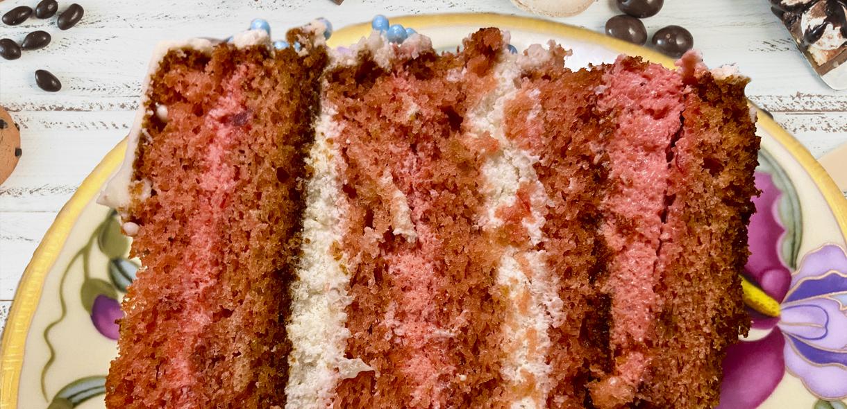 Бисквитный торт Клубника-Банан